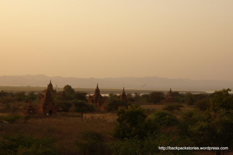 Piękna panorama w Bagan.